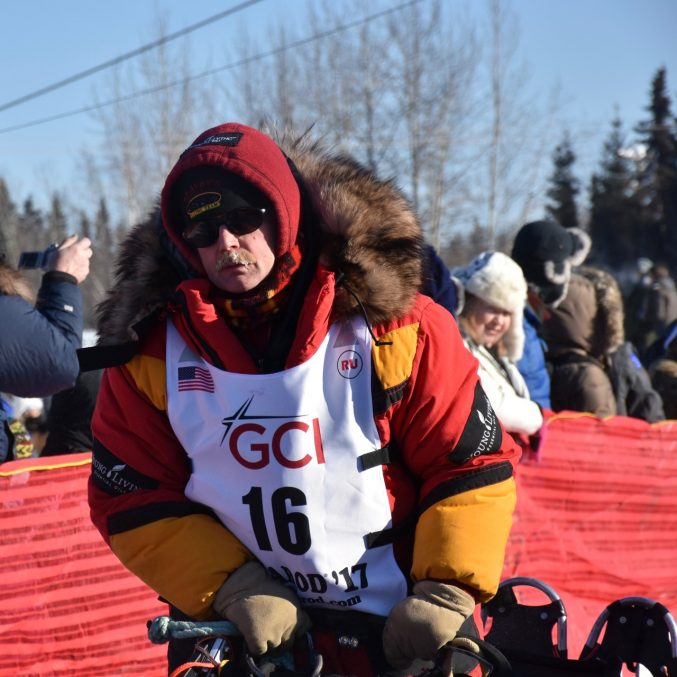 Mitch Seavey, son of Dan, leaving Fairbanks March, 2017. He would go on to be first into Nome!